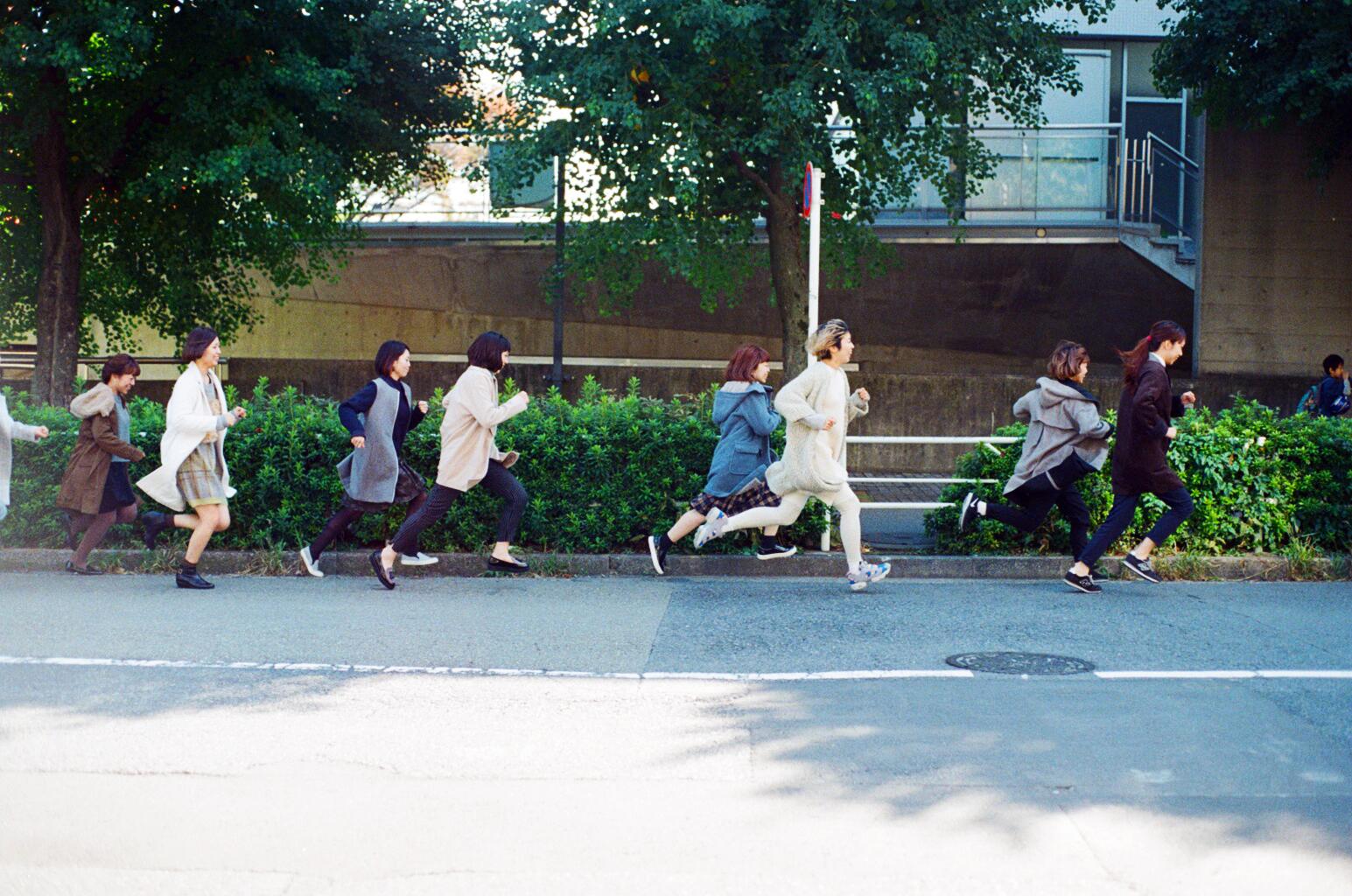 Women running on a coat_2.jpg