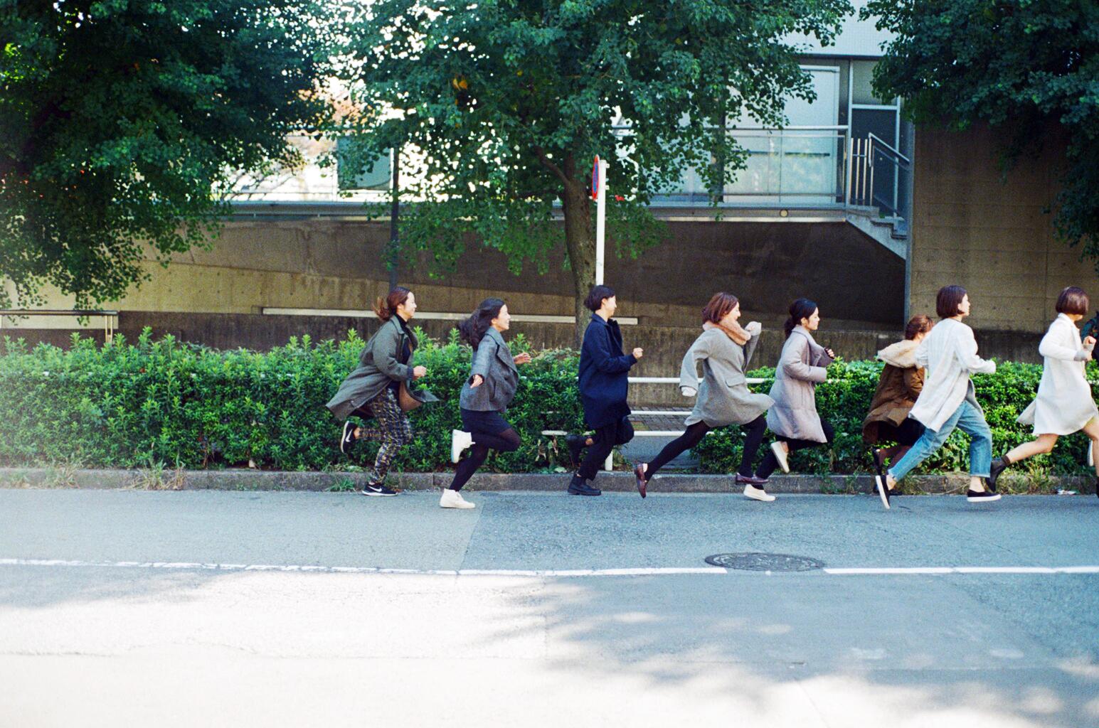 Women running on a coat_3.jpg