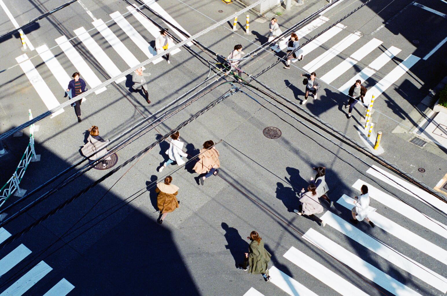 Women running on a coat_8.jpg