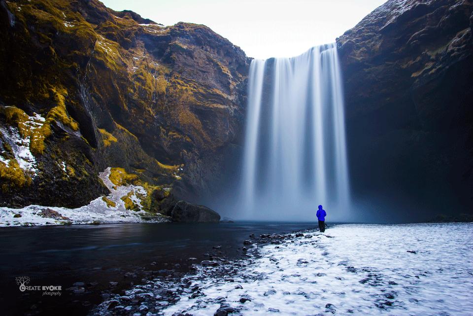 Skogafoss_Selfie_Iceland.png