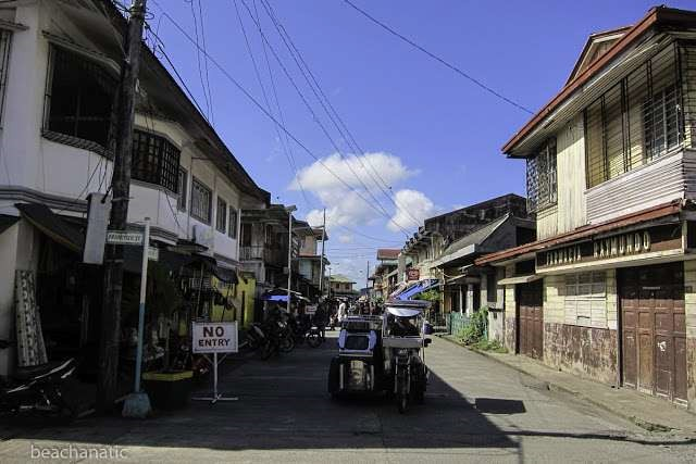 There were many two-storey old houses in the town of Pola. - There were many two-storey old houses in the town of Pola.