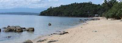 White Sand Beach, Pili