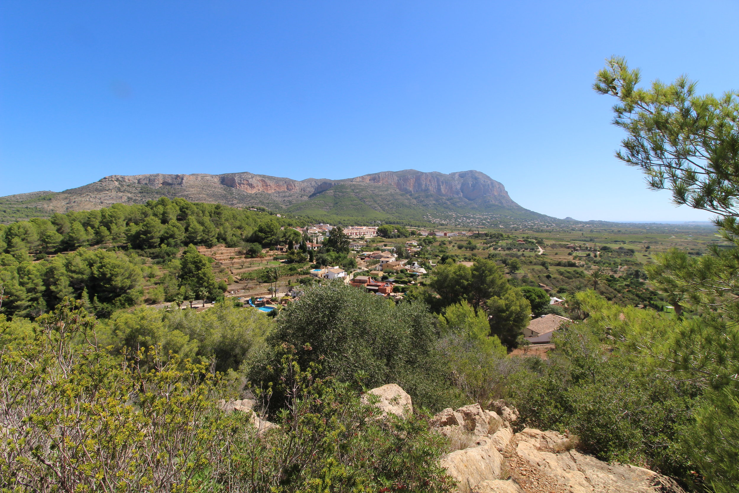 Jesús PobreProperties - Our hometown, the beautiful, Friendly and bohemian village of jesús pobrelocated in the foothills of the montgó, between jávea, dénia, gata de gorgos and ondara; living in this hamlet is paradise... let us help you find your home here