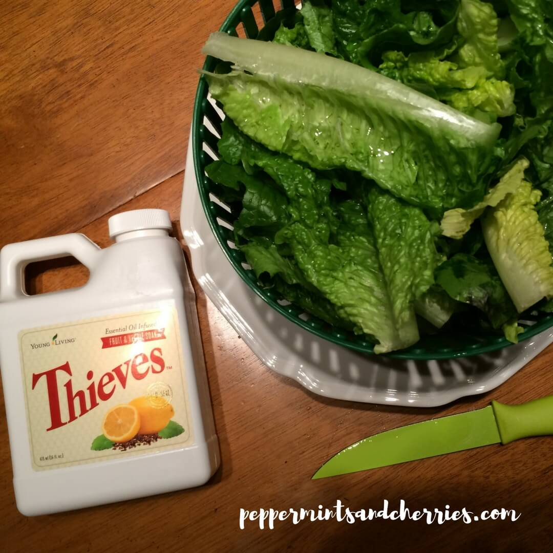 Using Thieves Fruit and Veggie Soak to Wash Lettuce