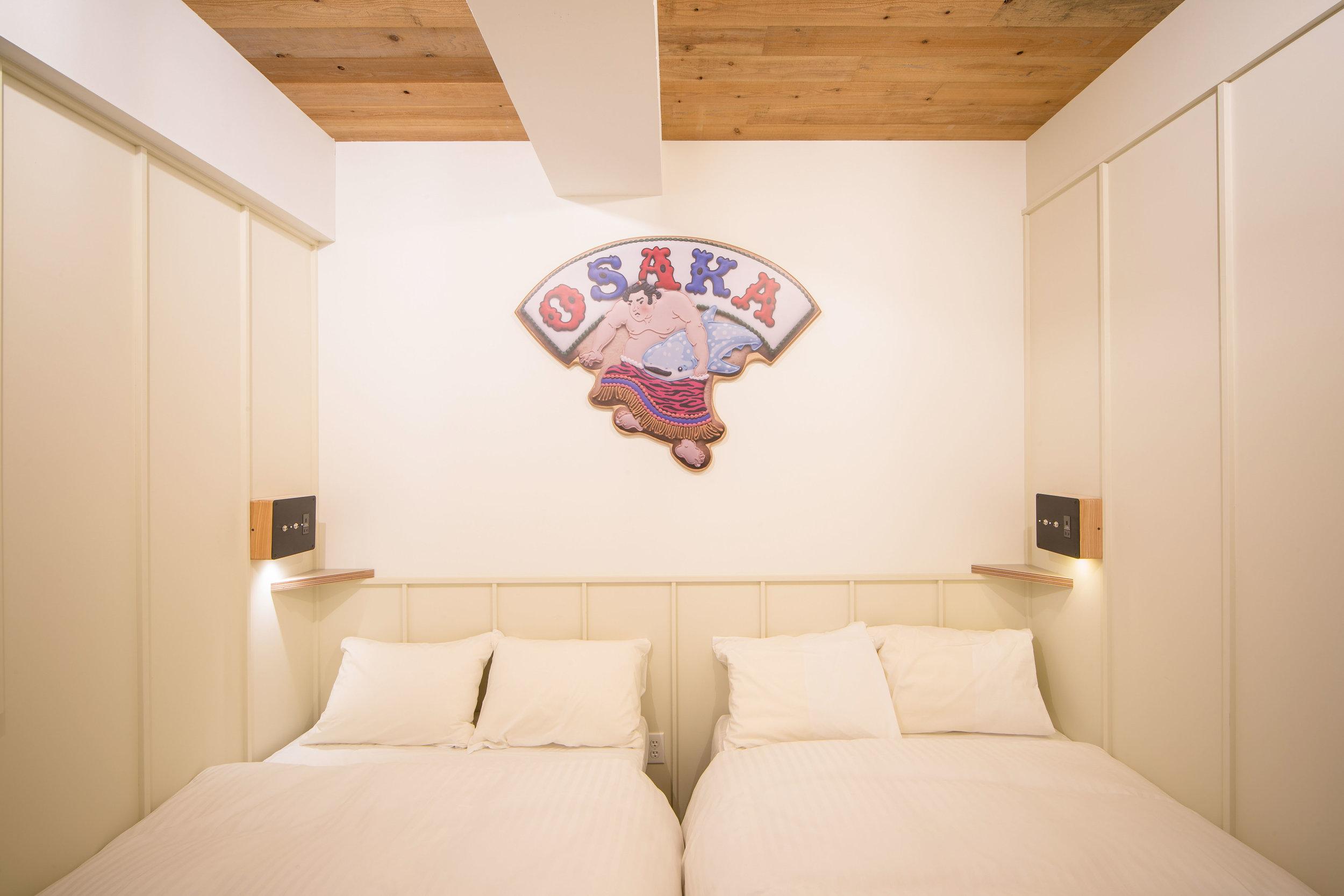Cookieboy`s art work are up on Kamon Hotel in Sennichimae / Osaka.