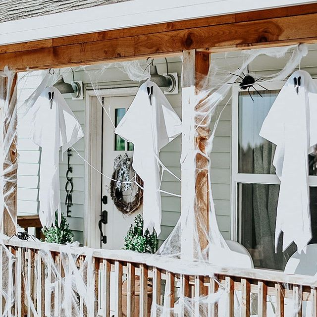 Forever ghosting Halloween. #notmytype . . . (My entire porch was decorated for $10 from the @dollartree.) . . . . . #halloween #halloweenporch #porchdecor #fallporchdecor #fallfrontporch #halloweencostume #halloween2019 #farmhousehalloween #dollartreefinds #dollartree #dollartreehalloween #ltkhome #ltkhomedecor #theblondebartender #betterhomesandgardens #countrylivingmagazine #simplefarmhousetouches