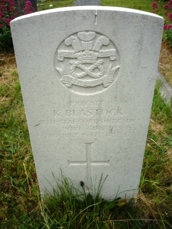 PRIVATE            K. BLASTOCK    13TH STAFFORDSHIRE      BN    HOME GUARD            2ND JULY 194                 AGE 17