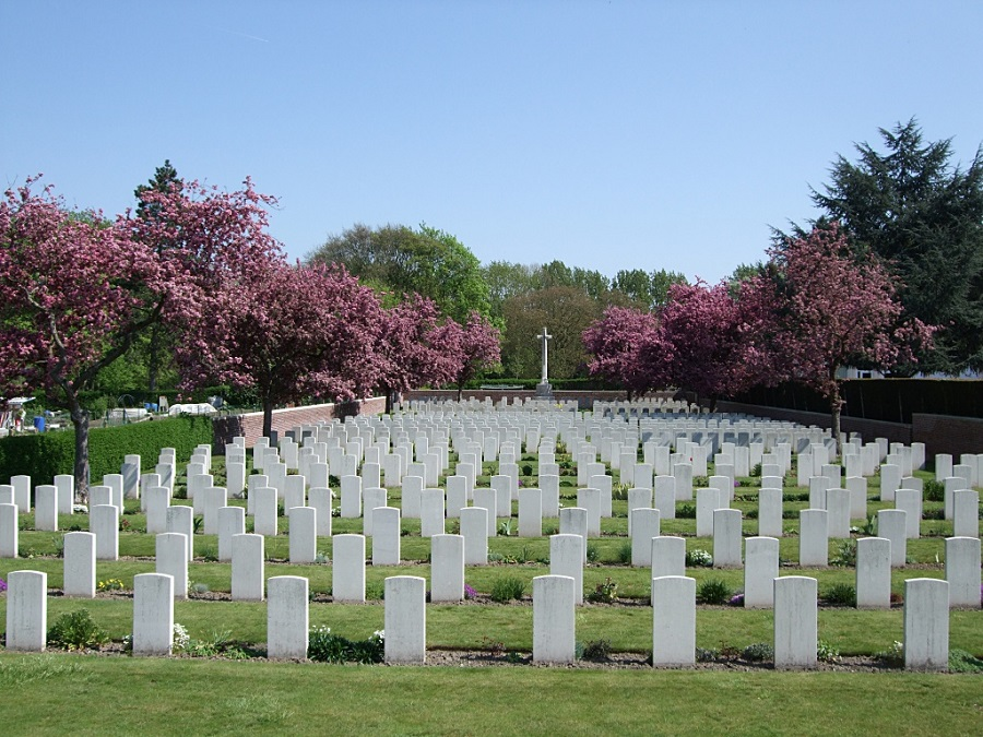 EQUINGHEIM - LYS CEMETERY EXTENSION