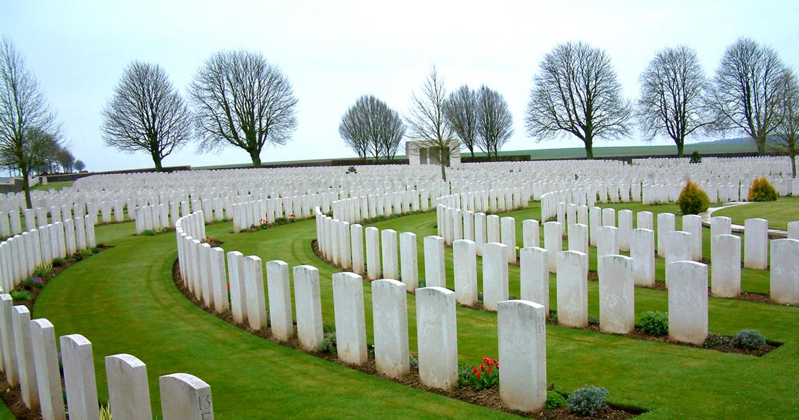 Cabare-Rouge British Cemetery, Souchez