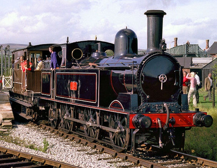 Photo of London & North Western Railway locomotive in traditional livery