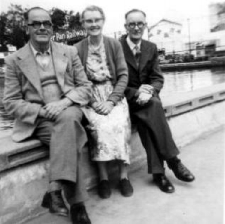 Photo showing Walter Mason's brothers, Harold on the left, Albert on the right, with Harold's wife Mabel in the middle.