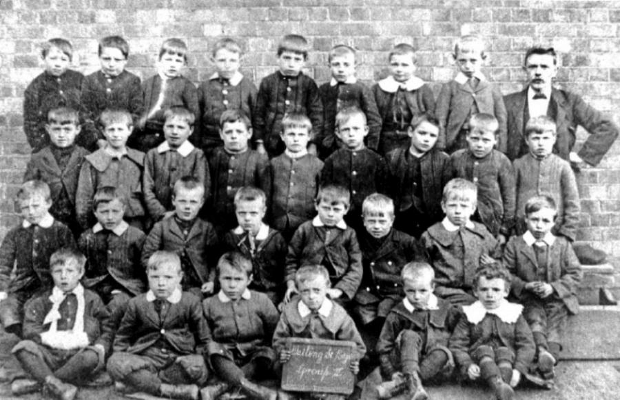 School photo circa 1900