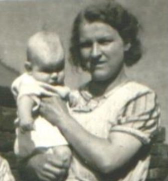 Lucy Ellen Fairfield with her son Terrence 1940