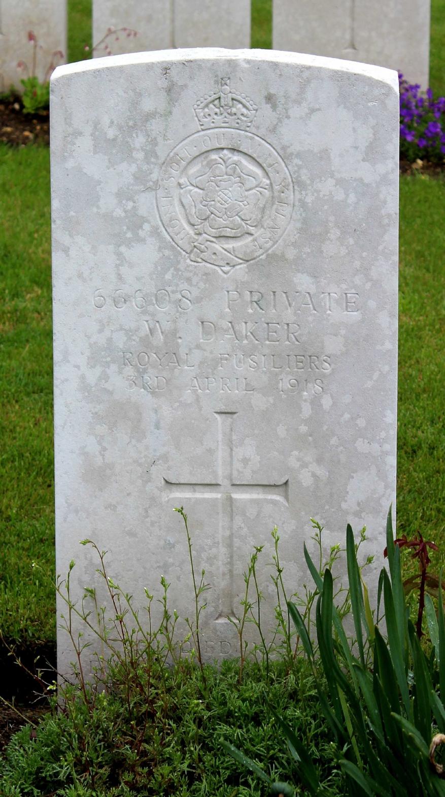 Gravestone of Private William Daker