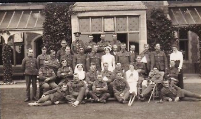 Patients and staff at Norfolk War Hospital