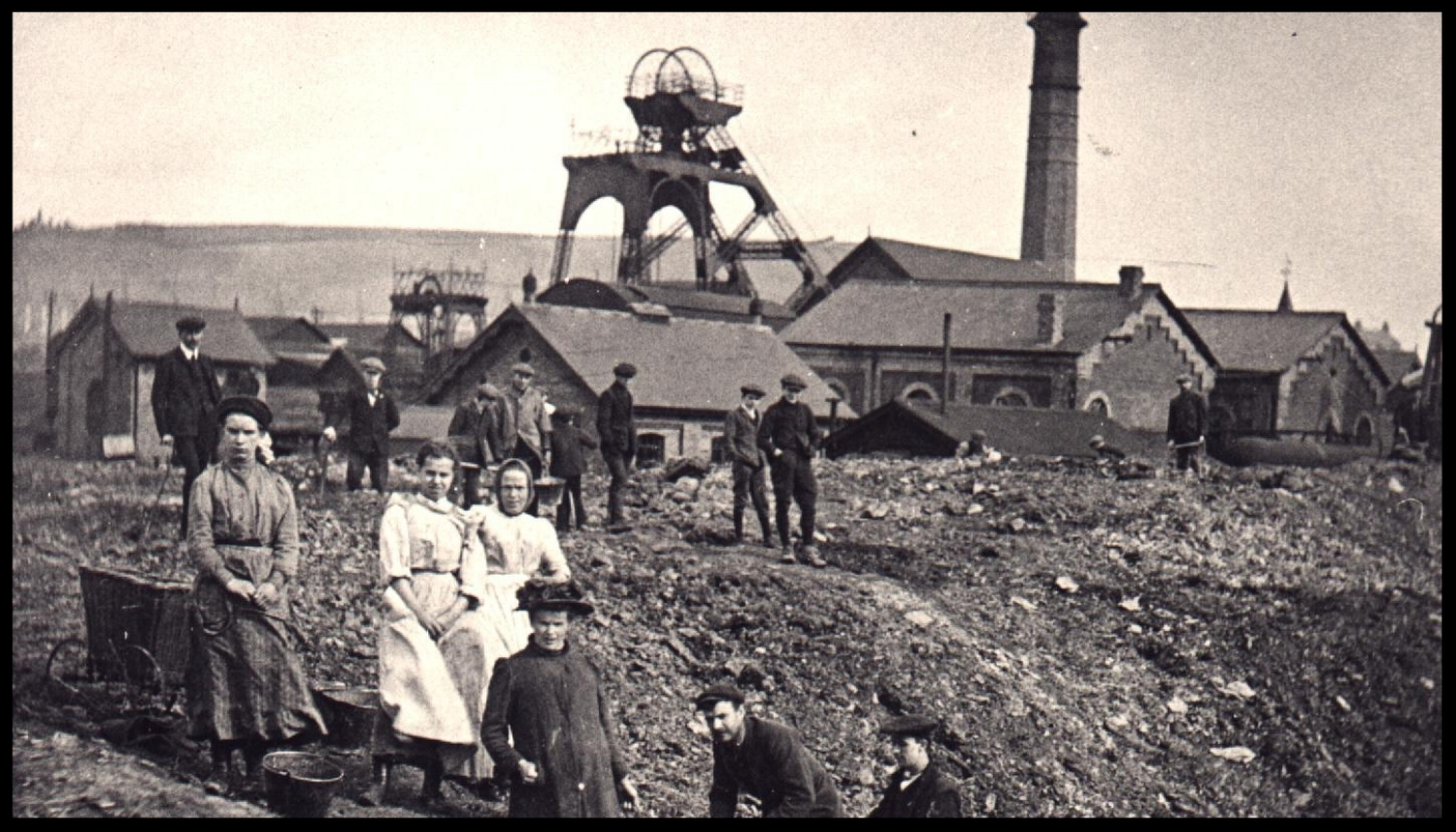 Wimblebury Colliery Staffordshire around the turn of the 20th Century