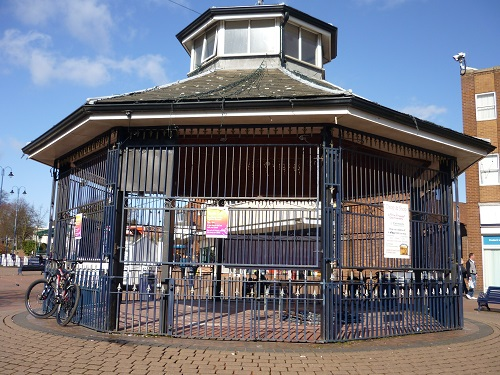 band stand new.JPG