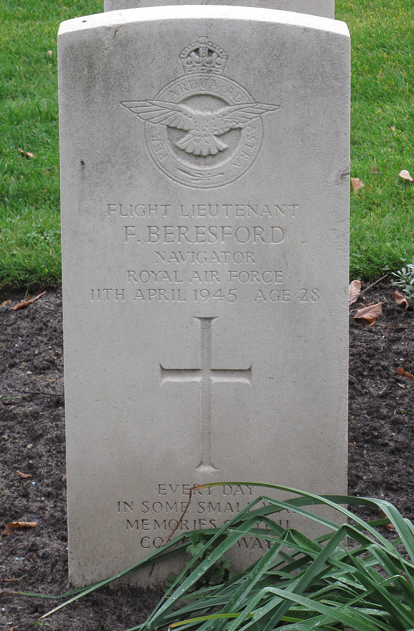 The grave of Frank Beresford today