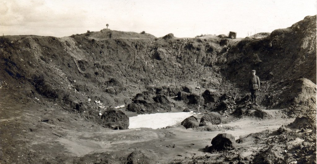 Hooge crater photographed in 1915