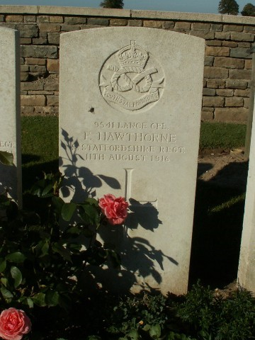 Photograph of the grave of Frederick Hawthorne at the Warlincourt Halte British Cemetery