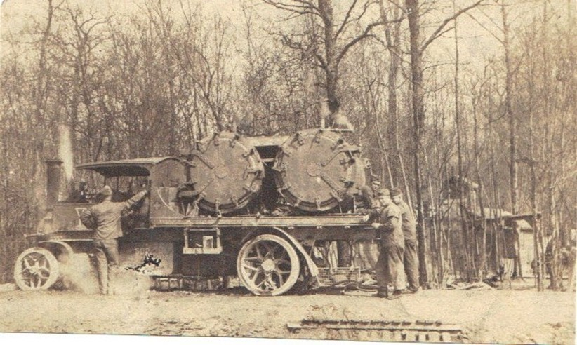 A Foden steam delousing vehicle being operated by the 101st Sanitation Train, part of the U.S. 26th Division which arrived in France on 21 September 1917.