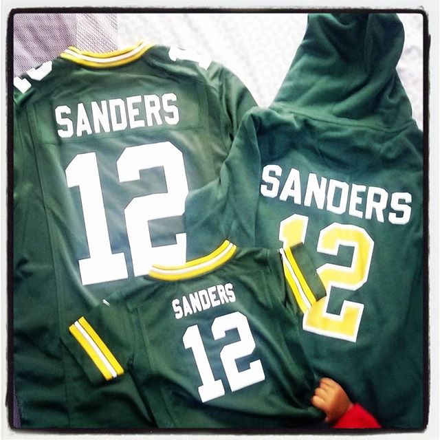 All ready for the 2017 @nfl season! LET'S GO @PACKERS * * * * #packersinparis #superbowl51 #excitedfamily #youngpackersfan #greenbaypackers #joesandersbass  #joesandersinfinity #littlehand