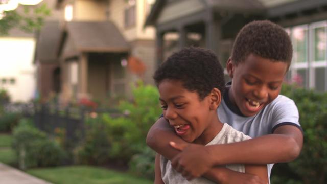 FD_0323A National Siblings Day RECT0_1522958541977.jpg_5292983_ver1.0_640_360.jpg