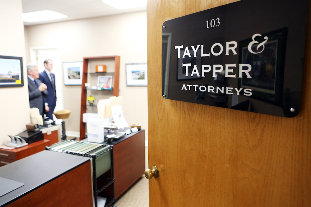 44 TAYLOR AND TAPPER 4103.jpg