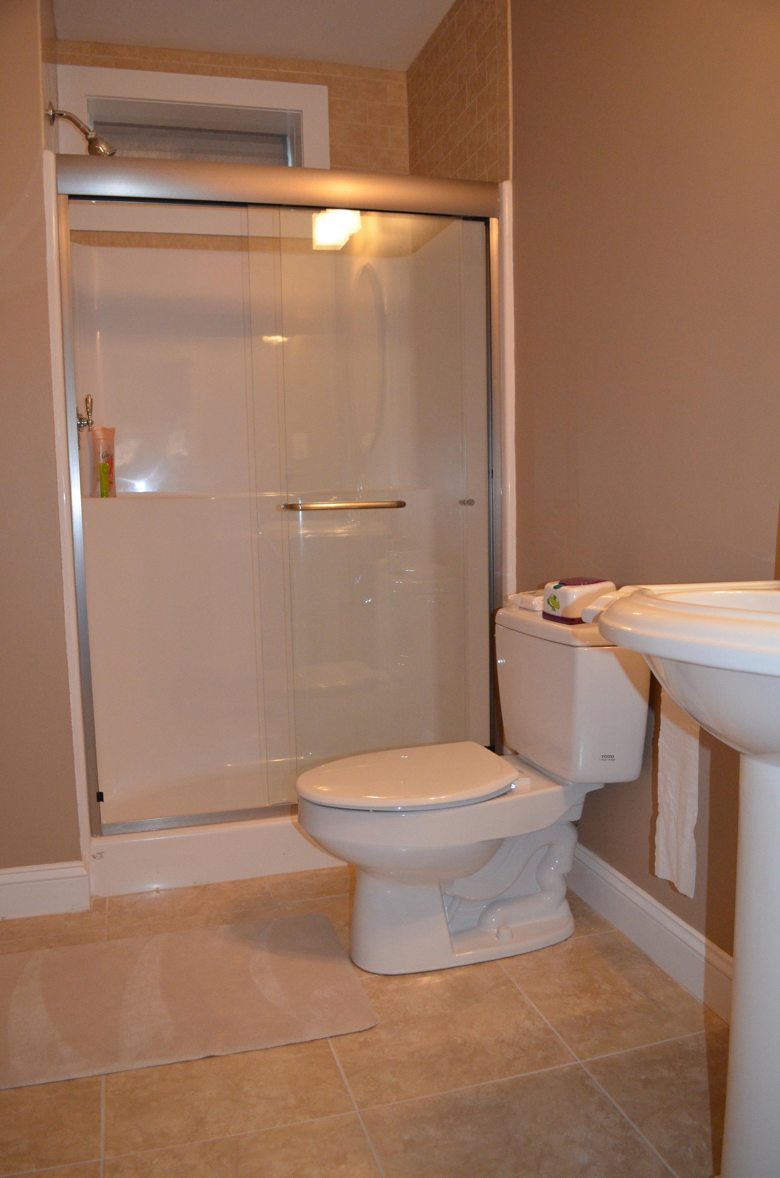 Home-Bathroom-Vertical#2.jpg