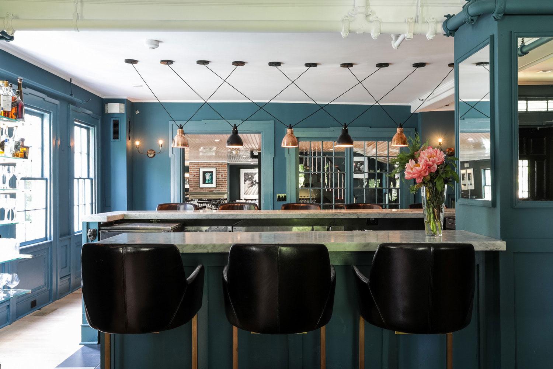 the-maidstone-east-hampton-bar.jpg