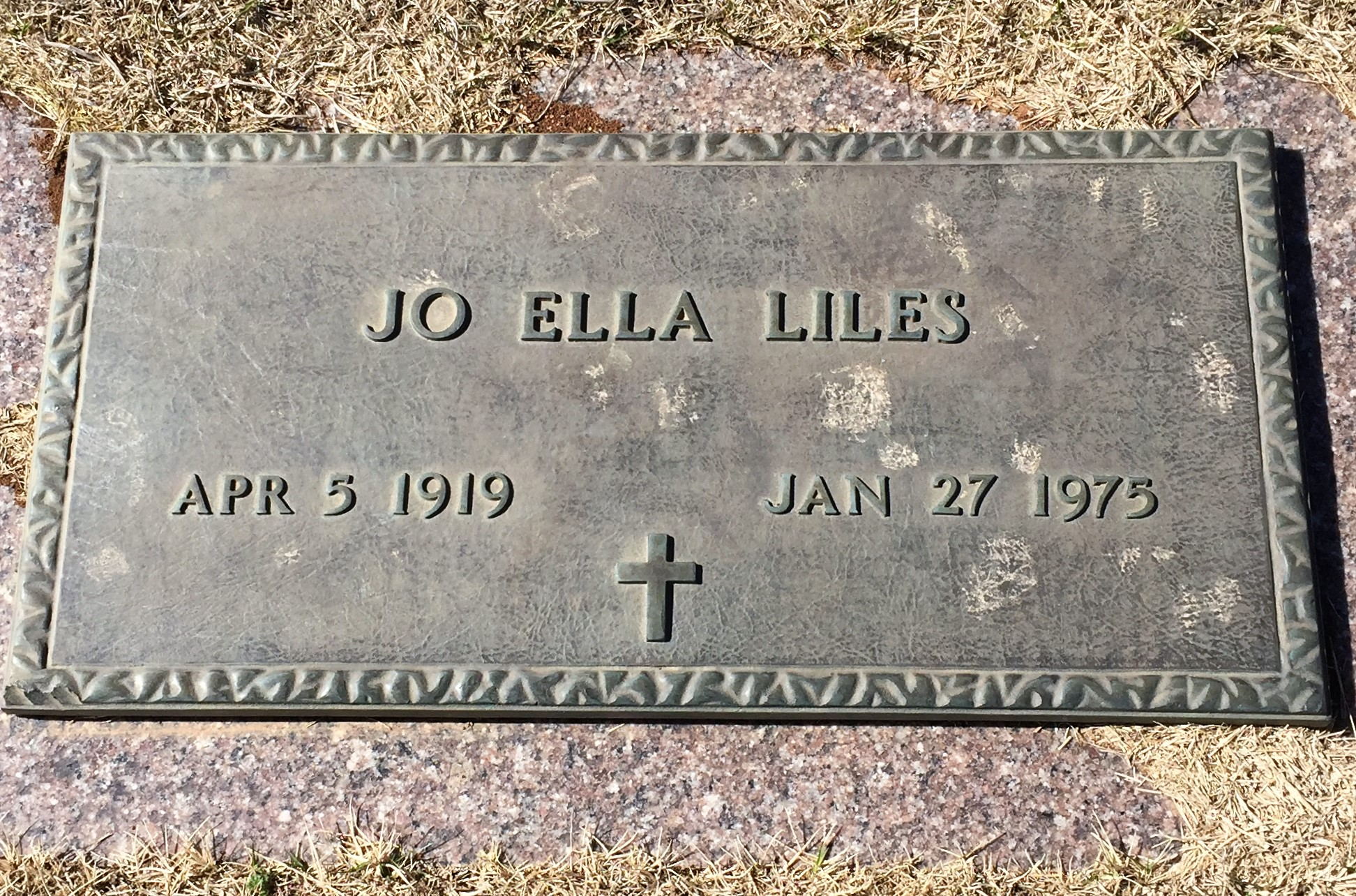 Jo Ella Liles' grave in Oklahoma