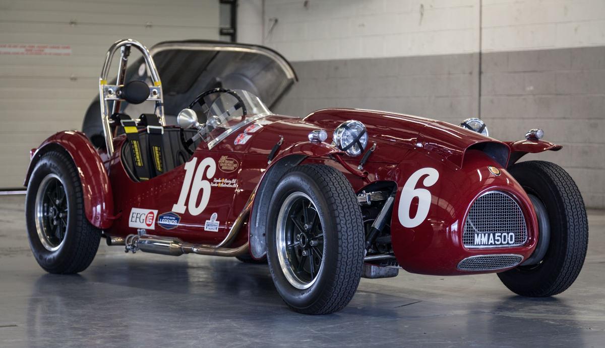 Aston-Martin-Club-Racing-Silverstone-010.jpg