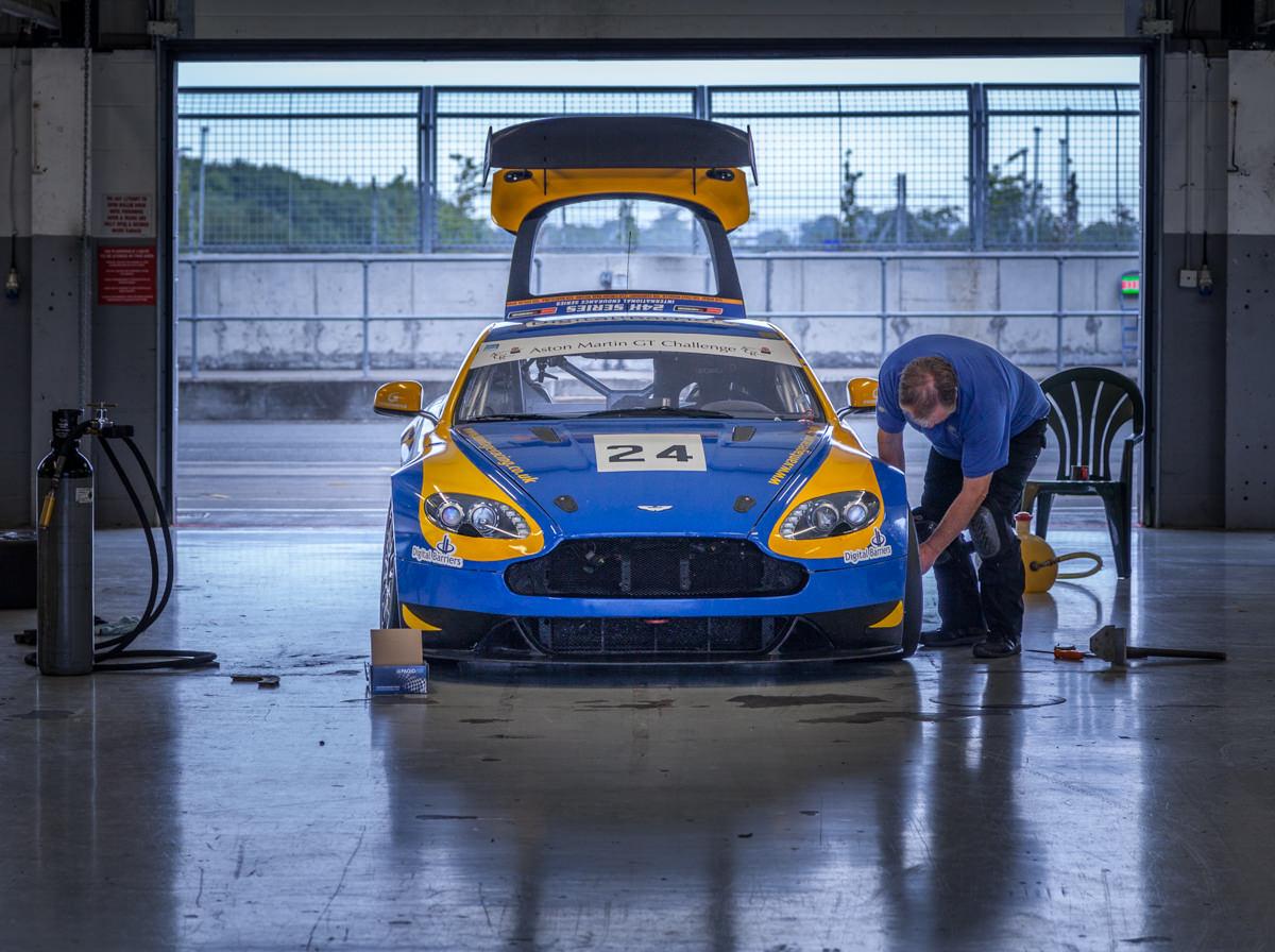 Aston-Martin-Club-Racing-Silverstone-012.jpg