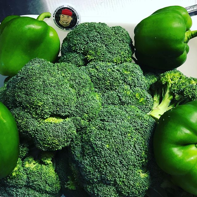 Greens, greens, greens....we have broccoli and bell peppers in our vegetable stir-fry for all you vegans and vegetarians alike.  It's also in our broccoli w/ steak and general's chicken.  We're at Wacker and Adams 11am-2pm. 🔥🥡🥢🚚🔥🥡🥢🚚 . . . . . . #bigwanggang #chicagofoodtrucks #chicagolunch #bigwangs #foodtruck #chicagofood #chicagofoodies #chicagofoodgoals #chicagofoodmag #chicagofoodbloggers #chicagofoodies #chicagofoodtruckfestival #chinesefood #takeout #foodporn #chicagofoodauthority #chicagofoodmag #chicagofoodbloggers #chinesefood #312food