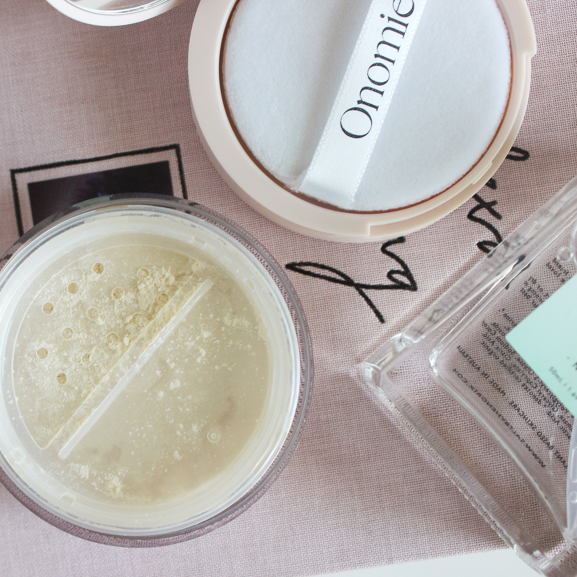 Onomie AHA! Perfecting Setting Powder