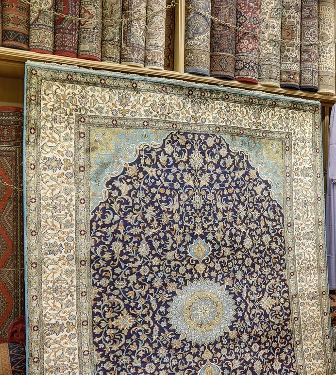 carpets-showroom-3826924_1280.jpg