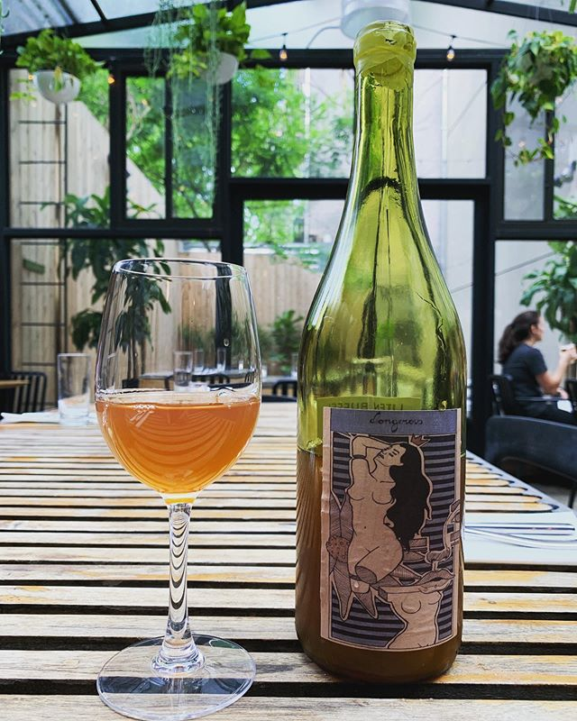 Natty orange wine from NY for brunch. #skincontact . . . . #kleinbergs #bedstuy #brooklyn #naturalwine #brunch