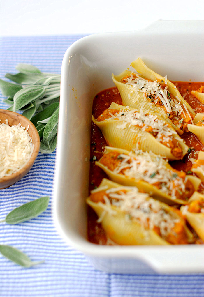 Pumpkin & Sage Stuffed Shells - This one comes from one of my favorite blogs - Eat Yourself Skinny. She does a great job of explaining how to prepare meals for 2 people, which is all I'm really cooking for on the reg. These shells make great lunch leftovers!