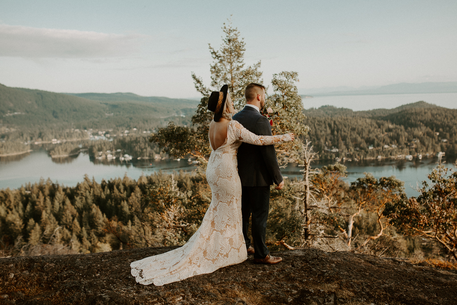 Luke Lambertson Photo_BritishColumbia_Canada_AdventurousCouple_Elopement_IMG-7886.jpg