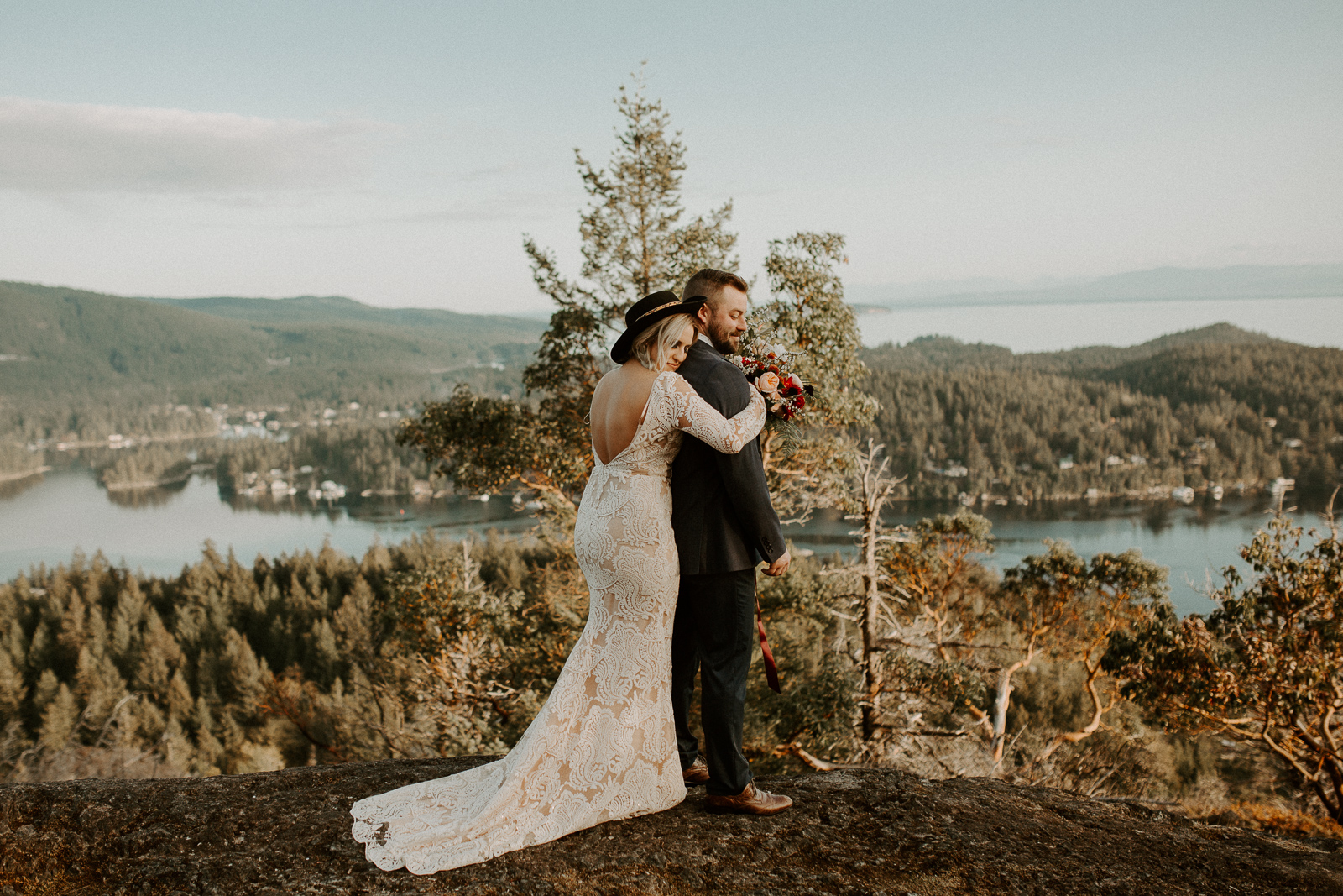 Luke Lambertson Photo_BritishColumbia_Canada_AdventurousCouple_Elopement_IMG-7890.jpg