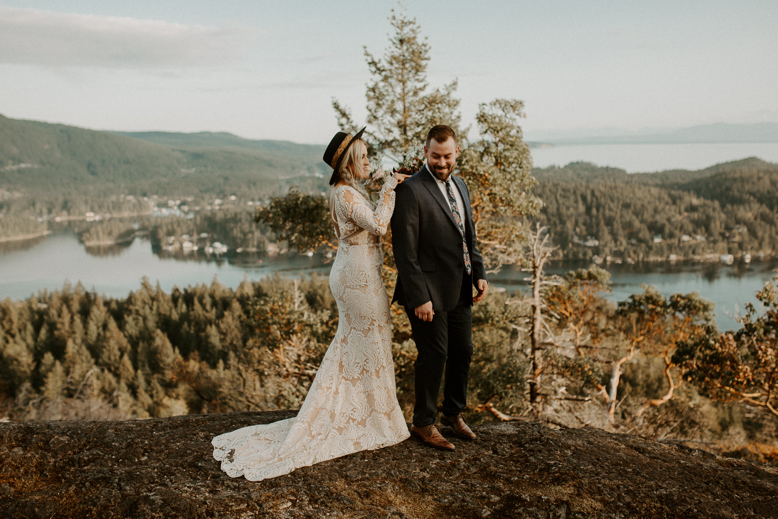 Luke Lambertson Photo_BritishColumbia_Canada_AdventurousCouple_Elopement_IMG-7897.jpg