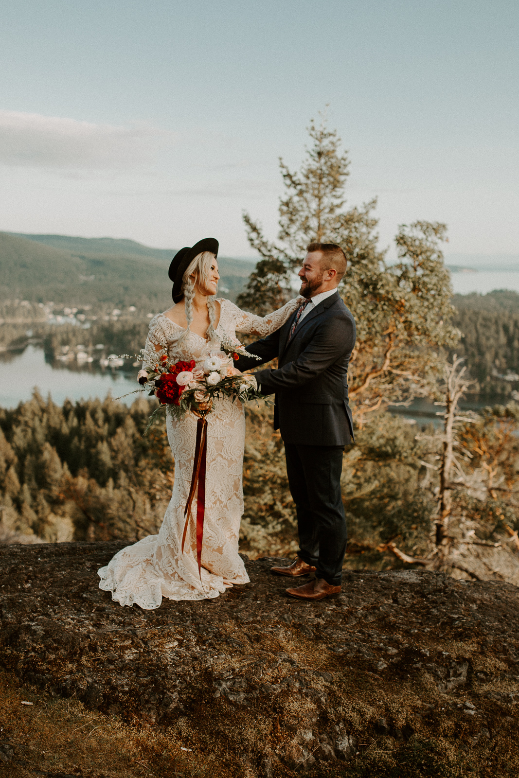 Luke Lambertson Photo_BritishColumbia_Canada_AdventurousCouple_Elopement_IMG-7904.jpg