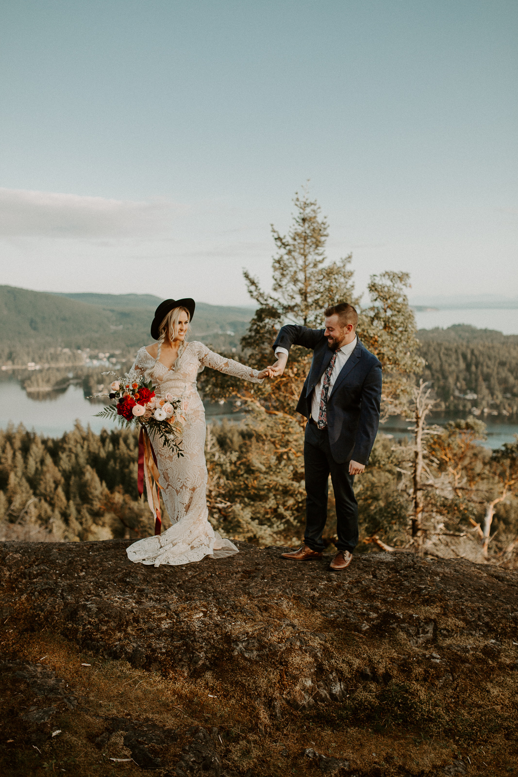 Luke Lambertson Photo_BritishColumbia_Canada_AdventurousCouple_Elopement_IMG-7915.jpg