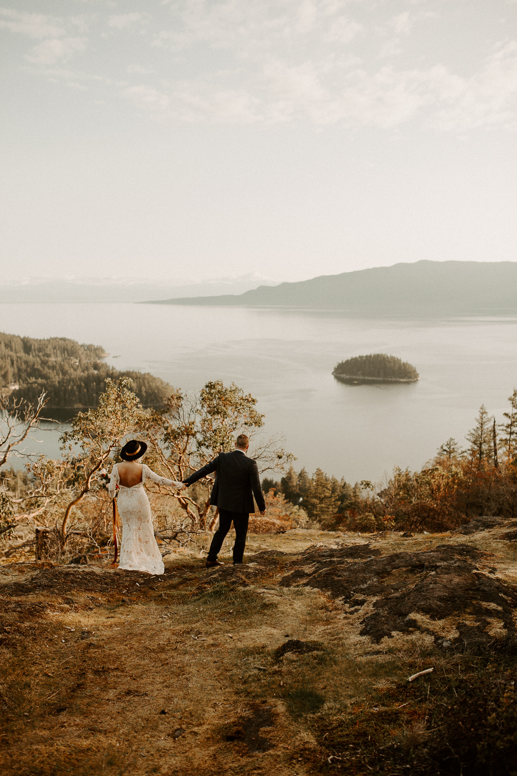 Luke Lambertson Photo_BritishColumbia_Canada_AdventurousCouple_Elopement_IMG-7926.jpg