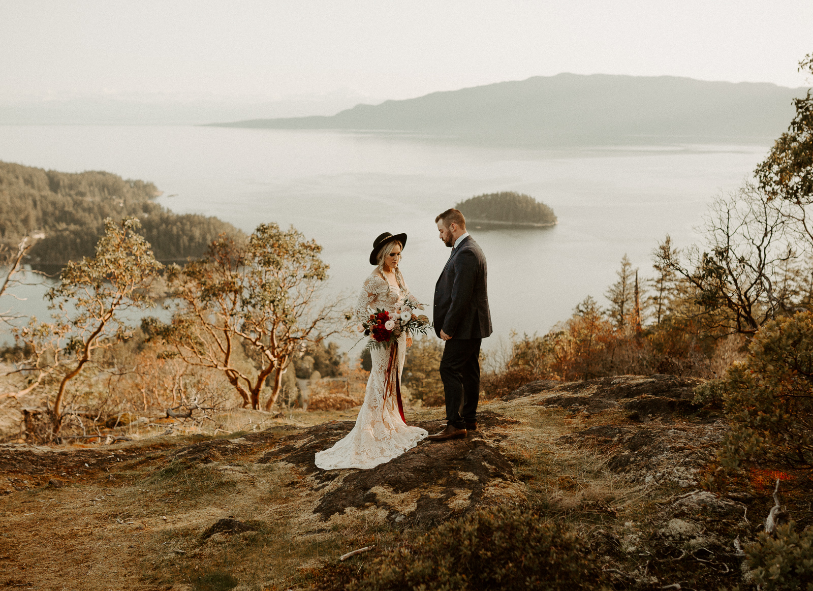 Luke Lambertson Photo_BritishColumbia_Canada_AdventurousCouple_Elopement_IMG-7936.jpg