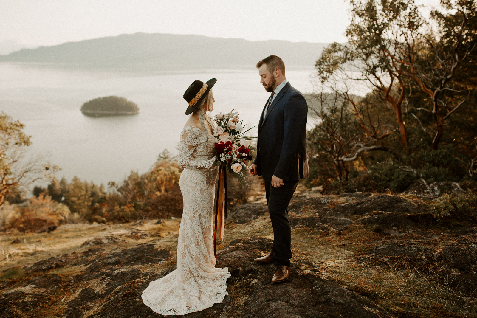 Luke Lambertson Photo_BritishColumbia_Canada_AdventurousCouple_Elopement_IMG-7963.jpg