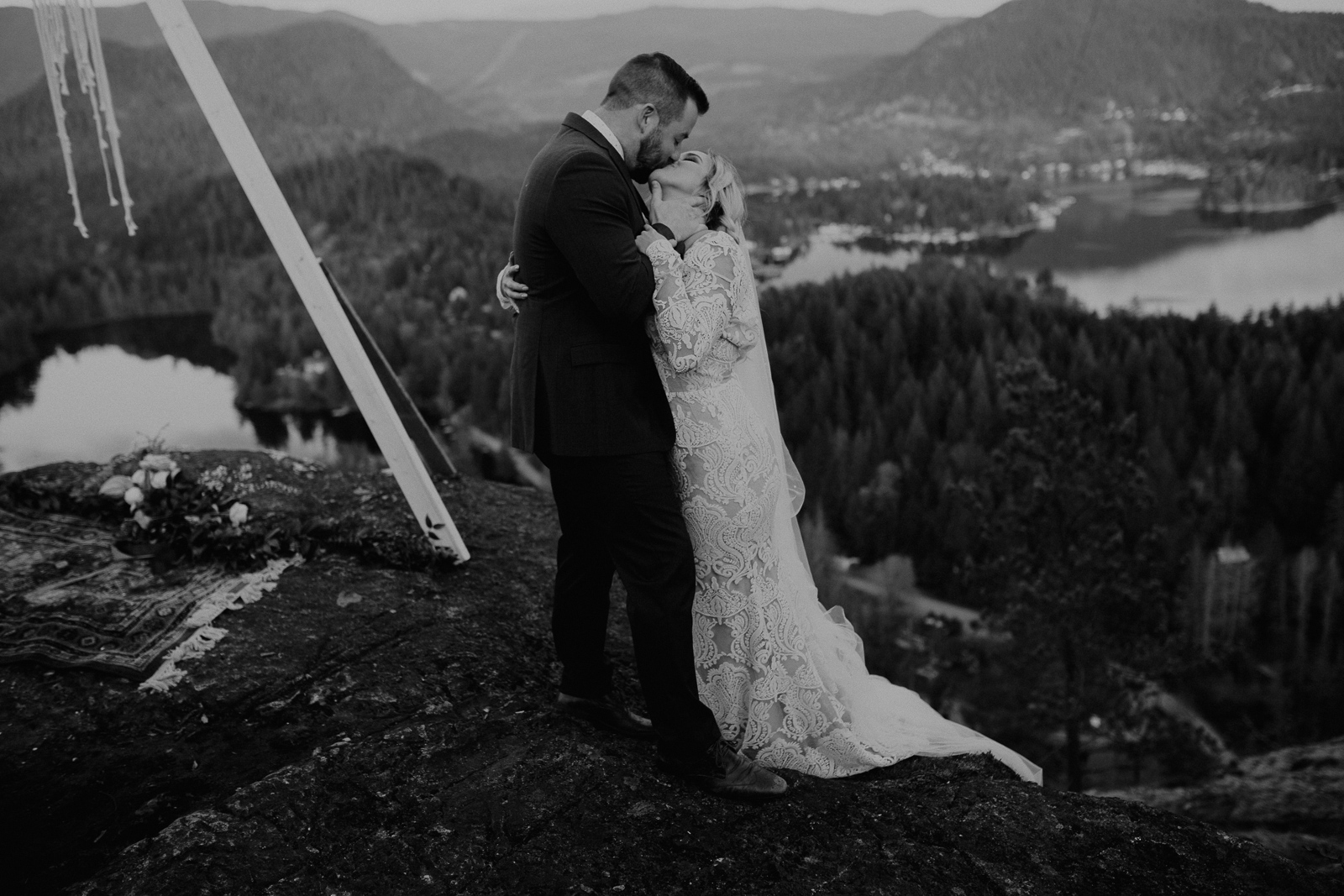 Luke Lambertson Photo_BritishColumbia_Canada_AdventurousCouple_Elopement_IMG-8461-2.jpg