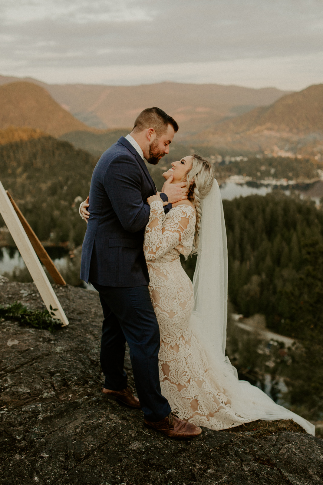 Luke Lambertson Photo_BritishColumbia_Canada_AdventurousCouple_Elopement_IMG-8468-2.jpg
