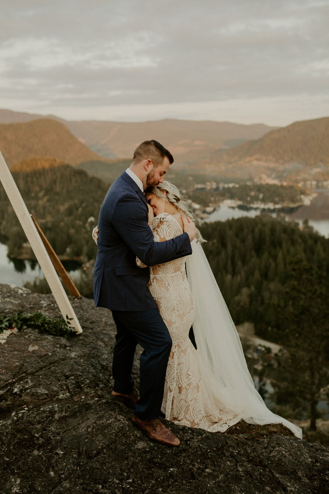 Luke Lambertson Photo_BritishColumbia_Canada_AdventurousCouple_Elopement_IMG-8489.jpg