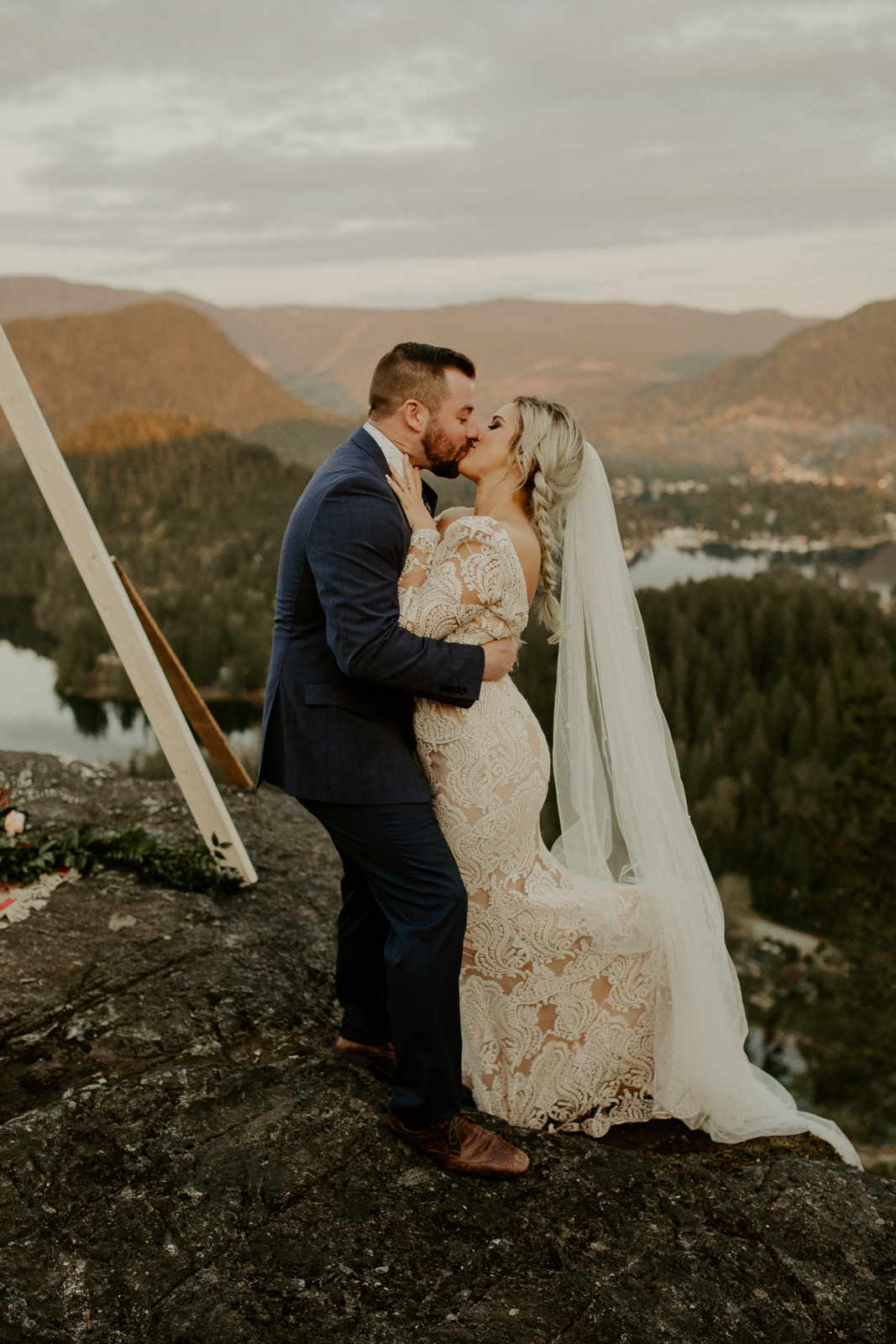 Luke Lambertson Photo_BritishColumbia_Canada_AdventurousCouple_Elopement_IMG-8495.jpg